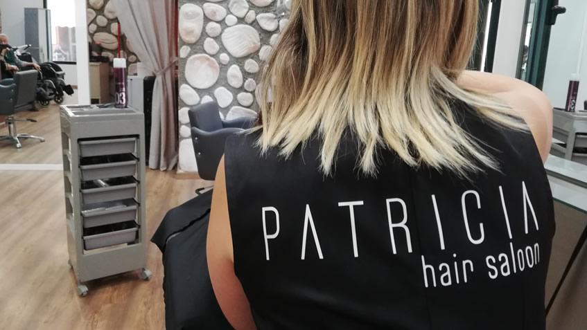Tot Cabell és Patricia Hair Saloon